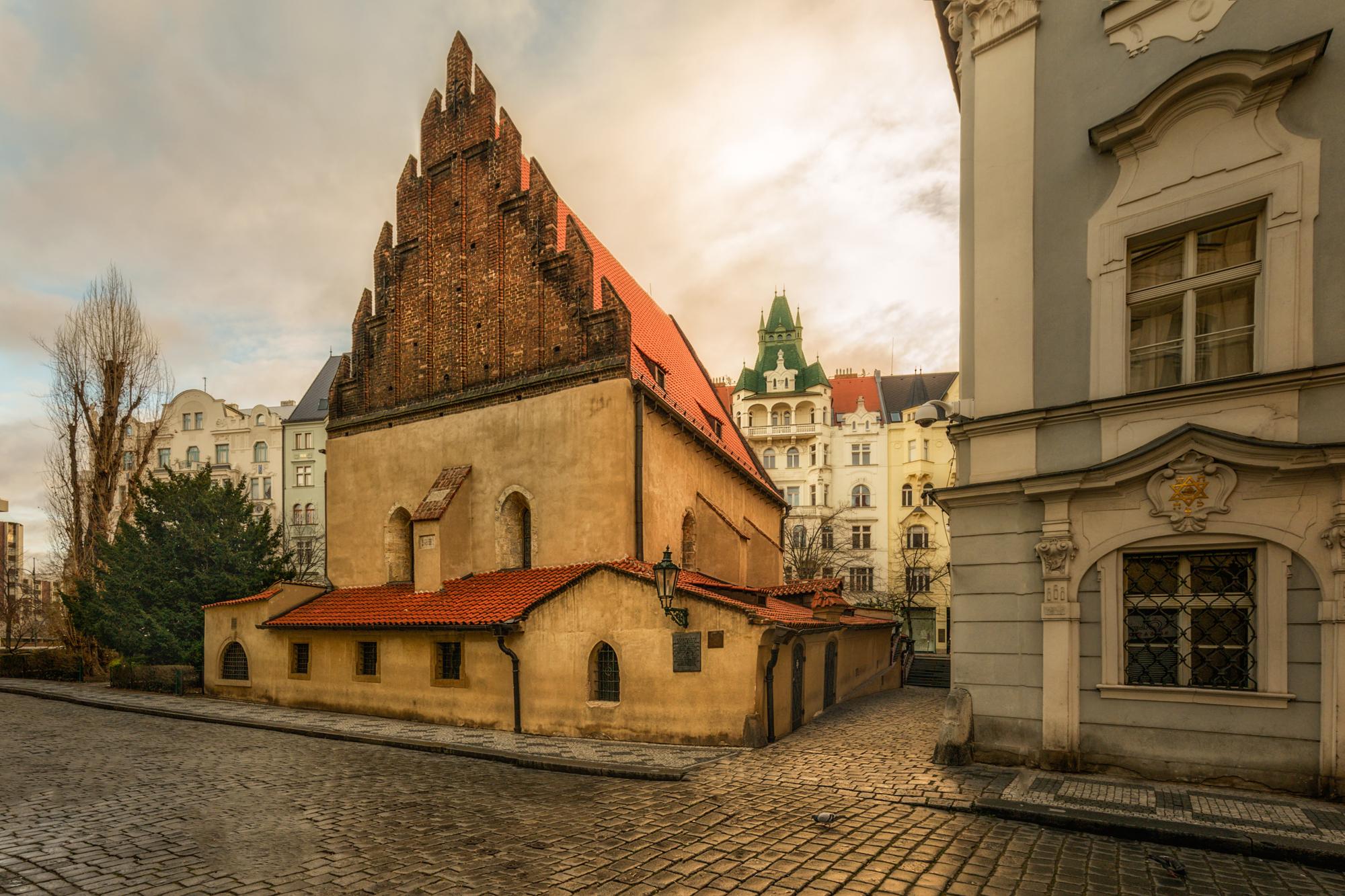 Oud Nieuwe synagoge (Staronová synagoga) - Prague.eu