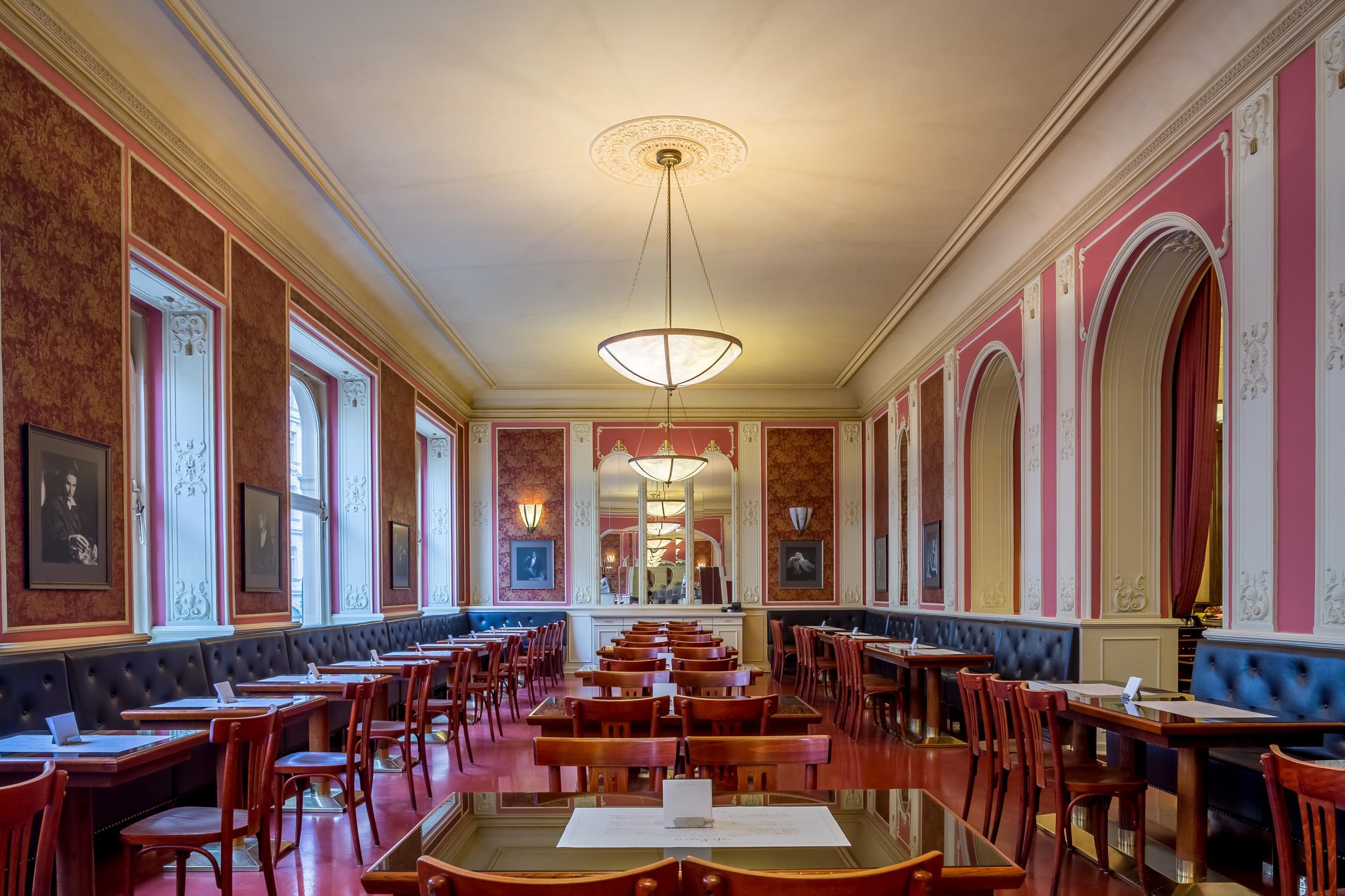 Café Louvre - Prague.eu